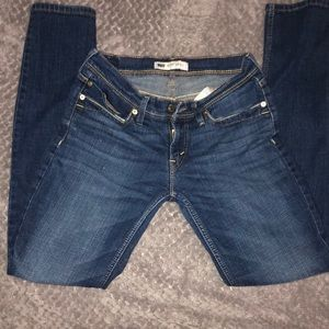 Levi's Too Superlow size 7 M straight leg jeans